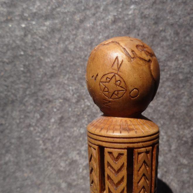 tafelmesje met wereldbol (5)
